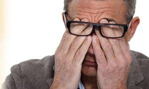 Слезотечение у пожилых людей: причины и лечение, капли для глаз
