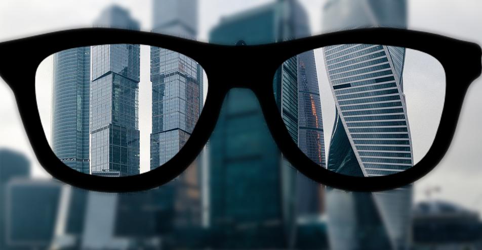 как видятт близорукие в очках