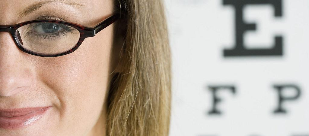проверка зрения у офтальмолога