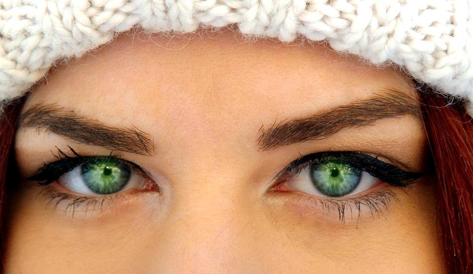глаза у девушки
